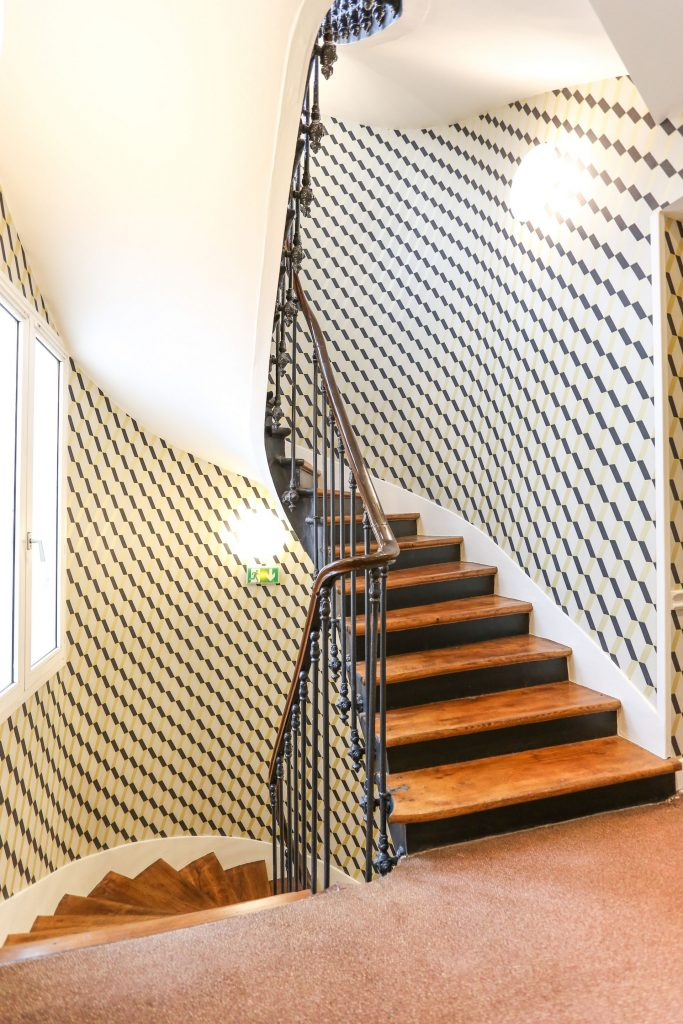 Hotel-Avalon-Paris-Stairs