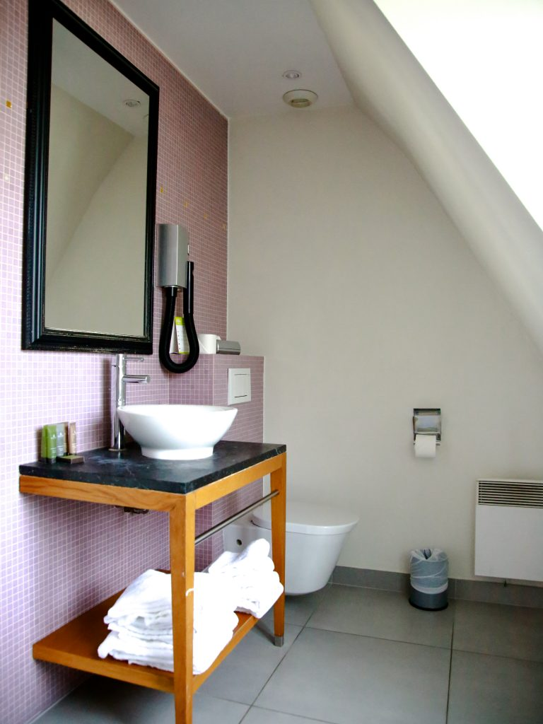 Suite-bathroom-1